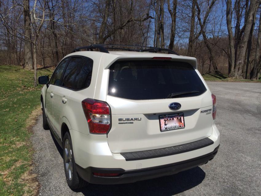 Subaru Forester 2015 Whiteekinmarsyimalo