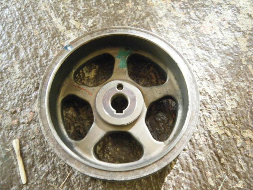 crankshaft pulley bolt-l-cam-pulley-front-timing-marks-drilled.jpg