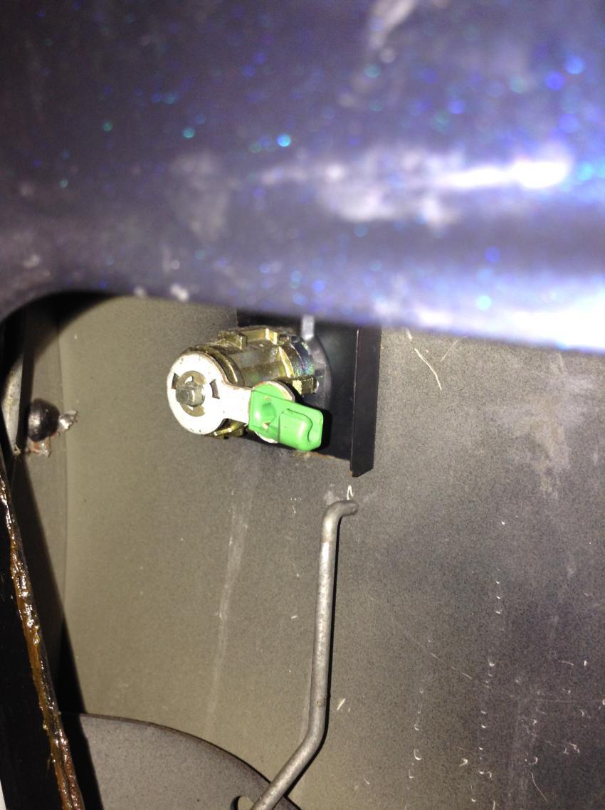DYI-Power door lock actuator replacement-lcklnk2.jpg