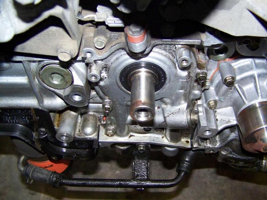 ... -oil-pump-leak-crank-seal-leak-please-look-oil-pump.jpg