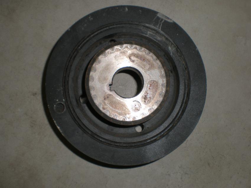 crankshaft pulley bolt-p3130003.jpg