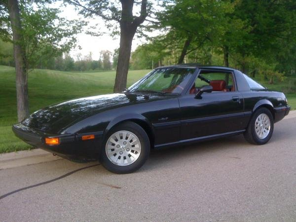 Showcase cover image for hansXT's 1985 Mazda RX-7