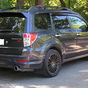 Forester XTI 2013 rear view.jpg